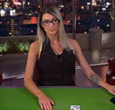Jessie beim Common Draw Blackjack im CherryCasino