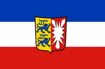 Flagge des Bundeslandes Schleswig-Holstein mit Wappen