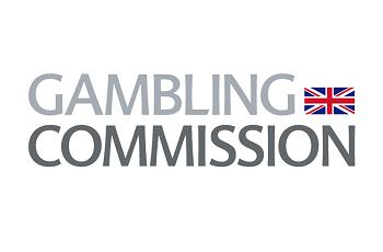 Alt: Die britische Flagge in Kombination mit dem Logo der britischen Glücksspielkommission.