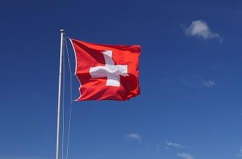 Die Schweizer Flagge im Wind