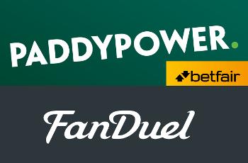 Die Logos von Paddy Power Betfair und FanDuel.