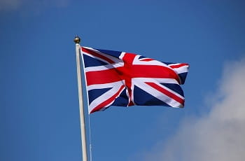 Die britische Flagge 'Union Jack' im Wind