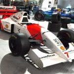 Historischer McLaren F1 Rennwagen von 1994 im Museum