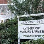 Das Eingangsschild des Amtsgerichts Hamburg Barmbek.