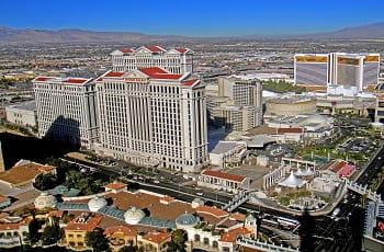 Ein Blick auf das legendäre Casino-Resort-Hotel Caesars Palace in Las Vegas.