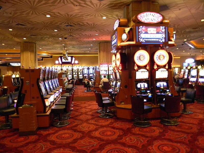 Eine Casino-Lounge im MGM Grand Hotel & Casino in Las Vegas.