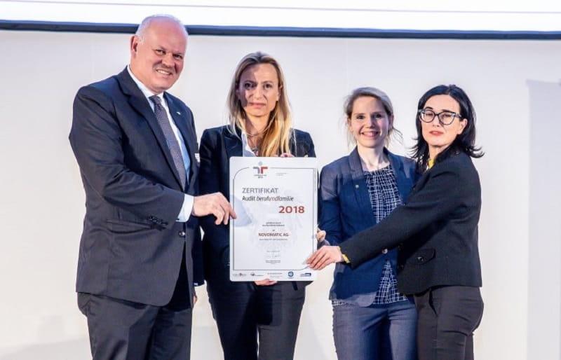 """Die Verleihung des """"Audit berufundfamilie""""-Zertifikats an Novomatic."""