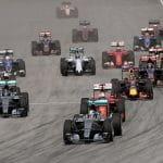 Ein Formel 1-Rennen kurz nach dem Start.