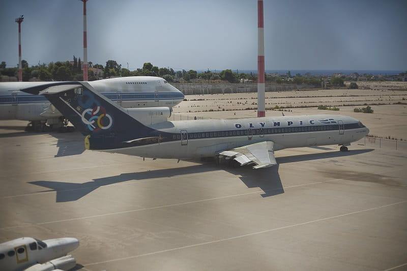 Eine Boeing 727 der bankrotten Olympic Airlines am leerstehenden Flughafen Athen-Ellinikon.