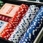 Ein geöffneter Pokerkoffer.