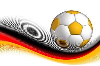 Eine deutsche Flagge mit Fußball.
