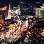 Die Skyline von Las Vegas bei Nacht.