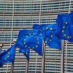 EU-Flaggen vor dem EU-Hauptsitz in Brüssel.