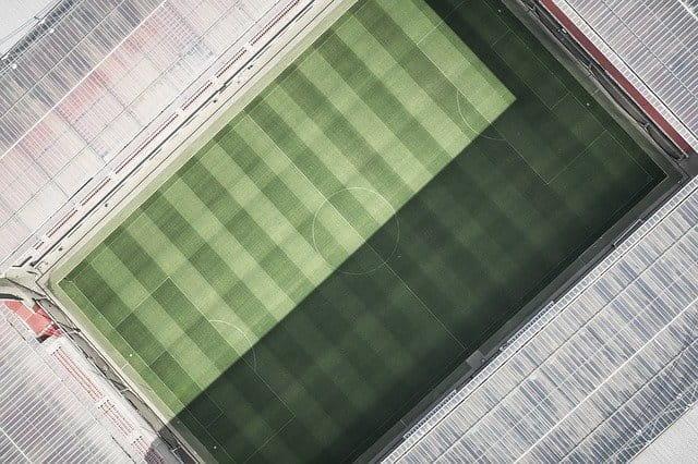 Fußball-Stadion aus der Luft.