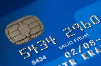 Eine Kreditkarte in Großaufnahme.