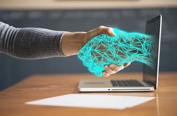 Ein Handshake mit einem digitalen Unternehmen.