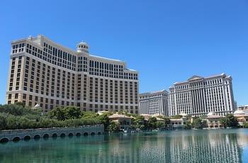 Das Bellagio und der Caesars Palace in Las Vegas.