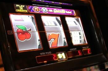 Die Walzen eines herkömmlichen Spielautomaten.