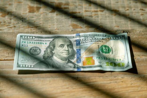 Mit Geld können sich Menschen die meisten ihrer Wünsche erfüllen.