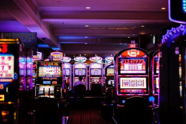 Slot Maschinen gelten als das beliebteste Casino Spiel.