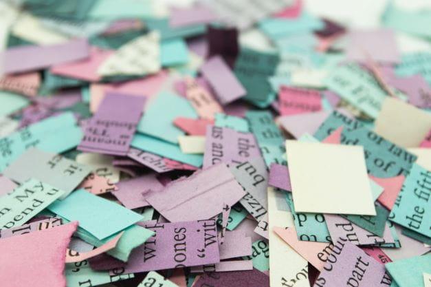 Lotterie Tickets welche den Gewinnschein symbolisieren.